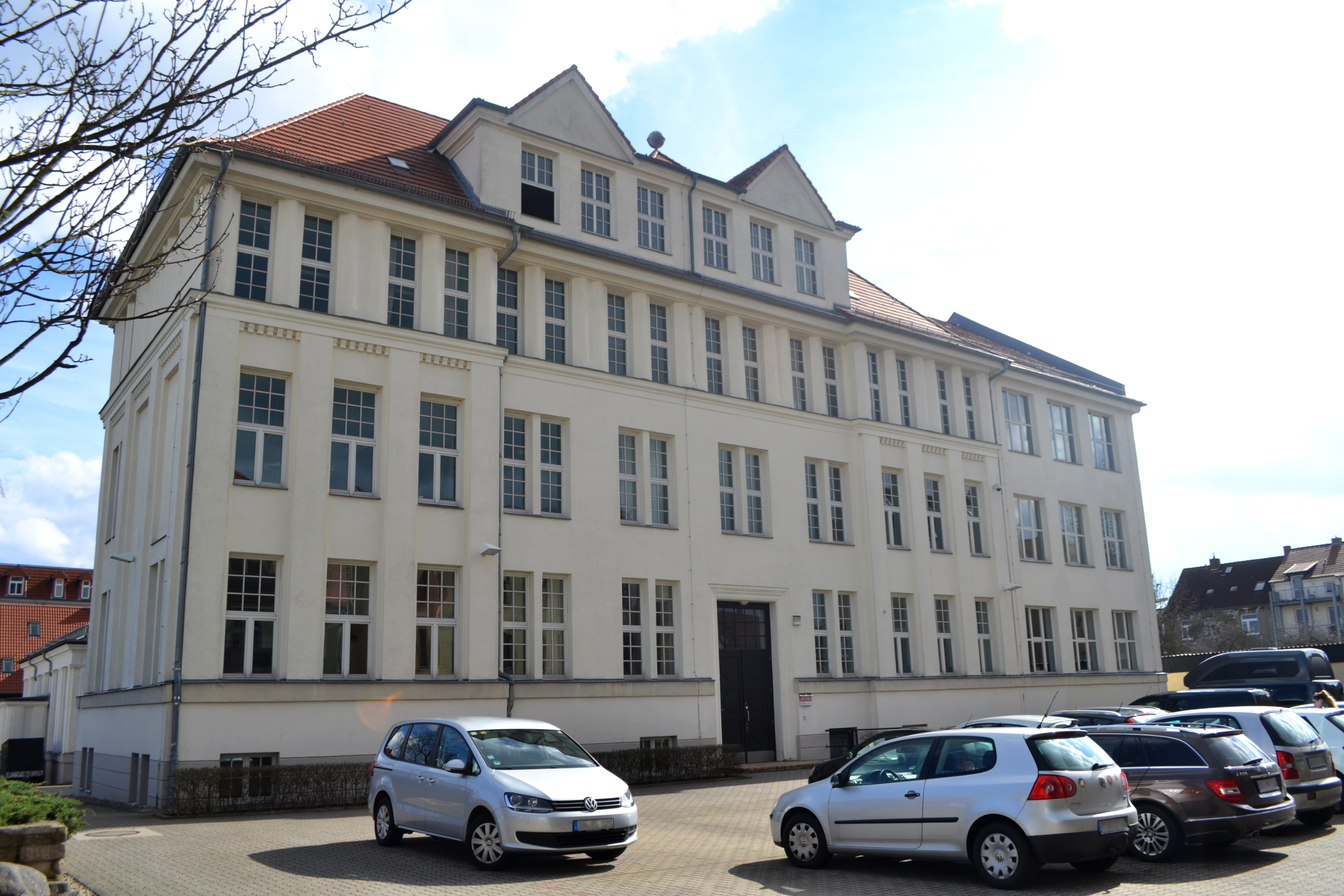 Berufliche schulen landeshauptstadt schwerin for Schule design